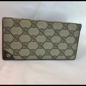 Gucci Vintage Logo checkbook, credit card wallet